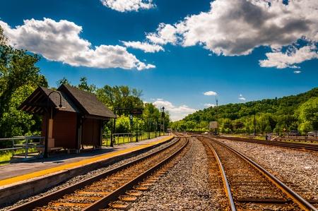 Les voies ferrées à la gare à Point of Rocks, au Maryland.
