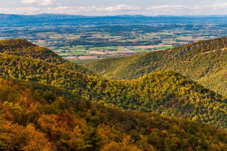 blackrock: View of the Appalachian Mountains and Shenandoah Valley from Blackrock Summit, along the Appalachian Trail in Shenandoah National Park, Virginia. Stock Photo