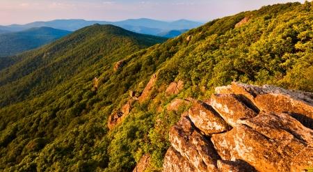 appalachian trail: View of the Blue Ridge Mountains from the Pinnacle, along the Appalachian Trail in Shenandoah National Park, Virginia