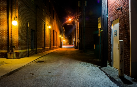 city  buildings: Dark alley at night in Hanover, Pennsylvania.