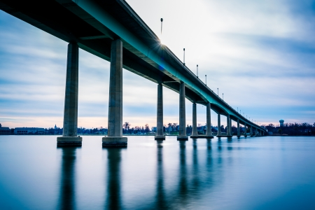 severn: The Naval Academy Bridge, over the Severn River in Annapolis, Maryland.