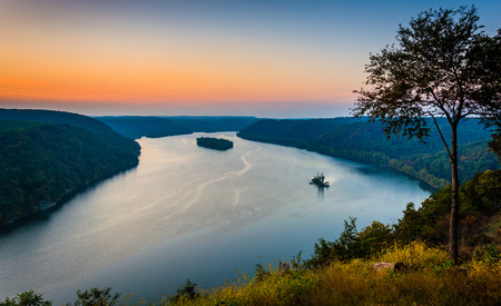 rivers mountains: View of the Susquehanna River at sunset, from the Pinnacle in Southern Lancaster County, Pennsylvania. Stock Photo