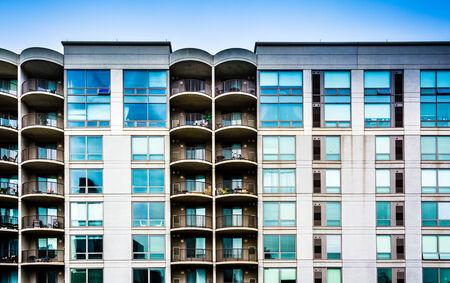 apartment: Apartment building in Philadelphia, Pennsylvania.