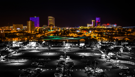 通り、夜遠いカジノ、アトランティックシティ、ニュージャージー州 ...
