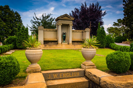 atlanta tourism: Mausoleum at Oakland Cemetary in Atlanta, Georgia.