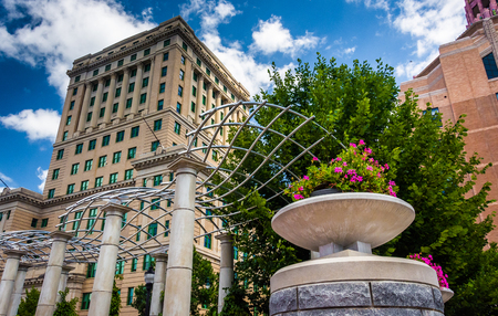 asheville: Flowers and Buncombe County Courthouse, in Asheville, North Carolina.