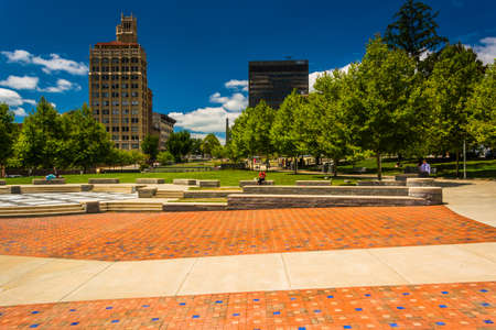 asheville: Pack Square Park and highrises in Asheville, North Carolina.
