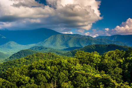 great smoky mountains national park: View of mountains in Great Smoky Mountains National Park, Tennessee.