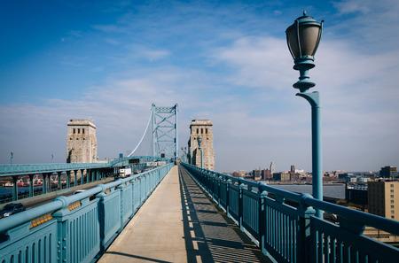 ben franklin: The Ben Franklin Bridge Walkway, in Philadelphia, Pennsylvania.