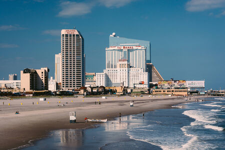 atlantic city: View of the beach and skyline from a pier in Atlantic City, New Jersey.