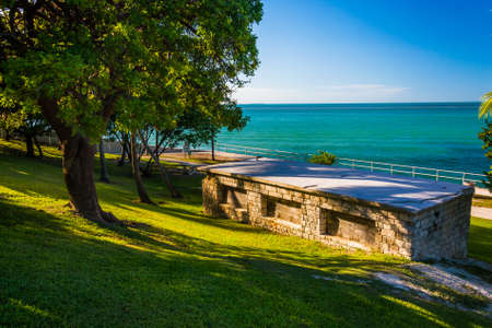 gulf of mexico: Old building and view of the Gulf of Mexico in Marathon, Florida.