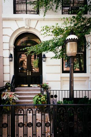 chelsea: Townhouse along 23rd Street in Chelsea, Manhattan, New York.