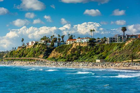 orange county: View of cliffs along the beach in San Clemente, California. Stock Photo