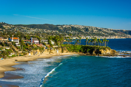 View of the Pacific Coast from Crescent Bay Point Park, in Laguna Beach, California. Foto de archivo
