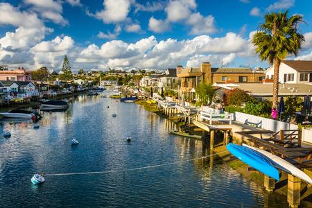 Het Canal Grande, op Balboa Island, in Newport Beach, Californië. Stockfoto