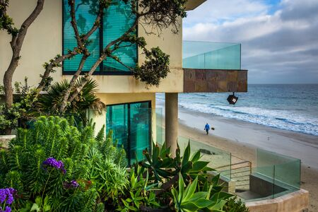 laguna: Modern oceanfront home in Laguna Beach, California. Editorial