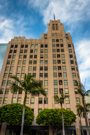pershing: Building and palm trees at Pershing Square, in downtown Los Angeles, California.