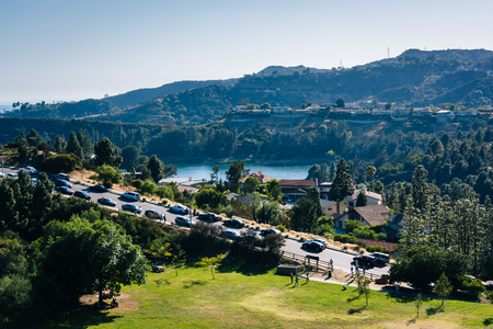 los angeles hollywood: View of Hollywood Reservoir, and Canyon Lake Drive in Los Angeles, California. Stock Photo