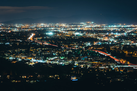 san fernando valley: View of the San Fernando Valley from Mulholland Drive, in Los Angeles, California.