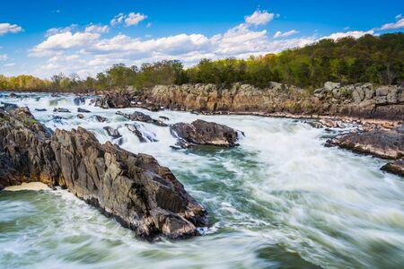 Rapids in the Potomac River at Great Falls Park, Virginia. 版權商用圖片