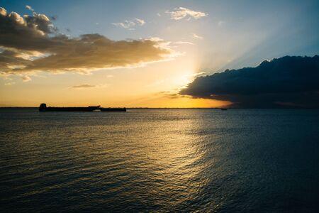 manila: Sunset over Manila Bay, seen from Pasay, Metro Manila, The Philippines.