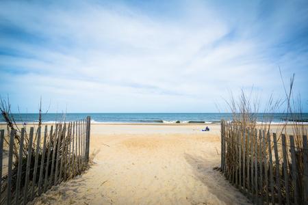 Pad naar het strand in Rehoboth Beach, Delaware.
