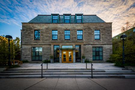 alumni: The J. Robert S. Prichard Alumni House, at the University of Toronto, in Toronto, Ontario.