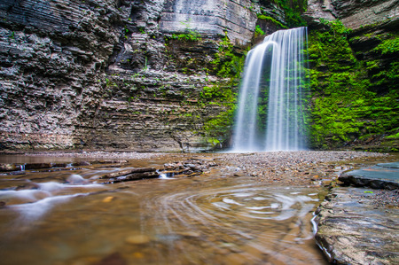 eagle falls: Eagle Cliff Falls, at Havana Glen Park in the Finger Lakes Region, New York State. Stock Photo