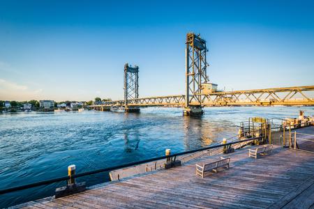 portsmouth: The Memorial Bridge over the Piscataqua River, in Portsmouth, New Hampshire.
