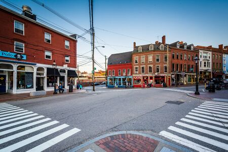 portsmouth: Intersection and businesses in downtown Portsmouth, New Hampshire.