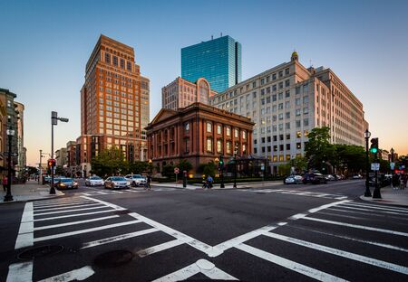 back bay: The intersection of Berkeley and Newbury Streets, in Back Bay, Boston, Massachusetts.