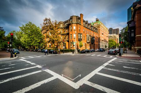 back bay: The intersection of Marlborough Street and Claredon Street, in Back Bay, Boston, Massachusetts.