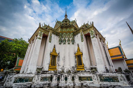wat pho: The historic Wat Pho Buddhist temple, in Bangkok, Thailand.