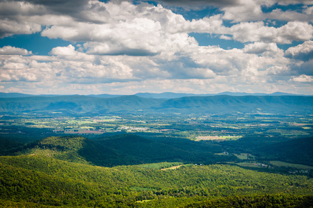 appalachian trail: View of the Shenandoah Valley and Appalachian Mountains from the Mill Mountain Trail near Big Schloss in George Washington National Forest, Virginia. Stock Photo