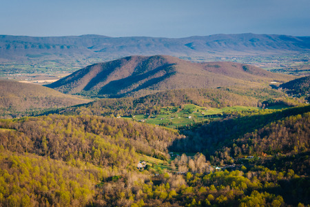 blue ridge: Spring view of the Blue Ridge and Shenandoah Valley from Skyline Drive, in Shenandoah National Park, Virginia. Stock Photo