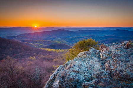 blue ridge: Sunset over the Blue Ridge from Bearfence Mountain, in Shenandoah National Park, Virginia