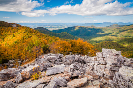 blackrock: Autumn view of the Shenandoah Valley and Blue Ridge Mountains from the boulder-covered summit of Blackrock, in Shenandoah National Park, VA.
