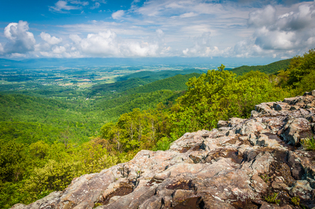 rural skyline: View of the Shenandoah Valley from Franklin Cliffs Overlook, in Shenandoah National Park, Virginia. Stock Photo