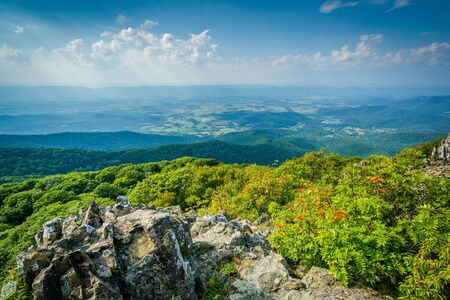 View of the Shenandoah Valley and Blue Ridge from Stony Man Mountain, in Shenandoah National Park, Virginia. Stock Photo