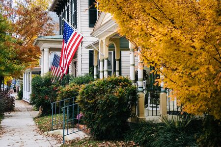 maryland: Autumn color and house in Easton, Maryland.