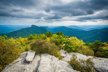View of the Blue Ridge Mountains from Hawksbill Mountain, on the rim of Linville Gorge, in Pisgah National Forest, North Carolina.