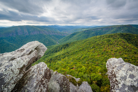 View of the Linville Gorge from Hawksbill Mountain, in Pisgah National Forest, North Carolina.