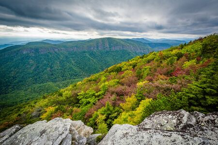 wnc: Early autumn view of the Blue Ridge Mountains from Hawksbill Mountain, on the rim of Linville Gorge, in Pisgah National Forest, North Carolina.