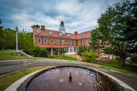Fountain and building at Salem College, in Winston-Salem, North Carolina. Stock Photo