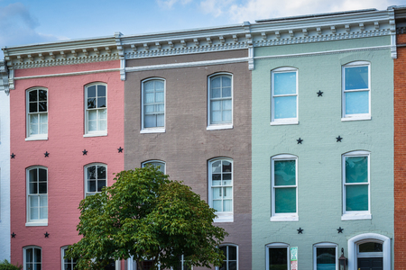 Colorful row houses in Federal Hill, Baltimore, Maryland Stok Fotoğraf