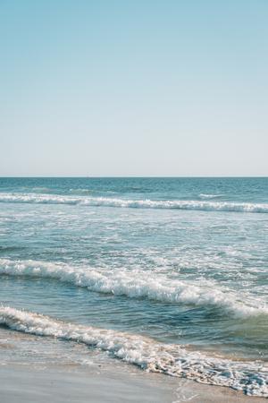 Waves in the Pacific Ocean, at Salt Creek Beach, in Dana Point, Orange County, California Imagens