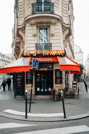 Le St. Andre Brasserie Cafe in Paris, France Editöryel