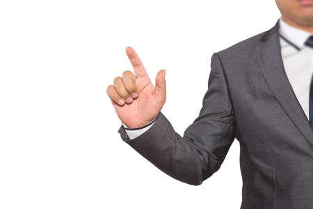 tocar la pantalla virtual de mano del hombre aislado en el fondo blanco