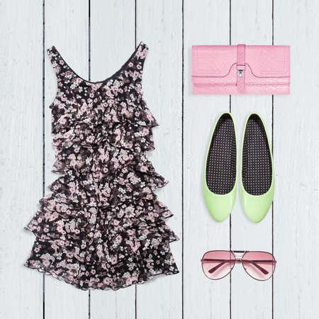 01ea8ac70af7c4 Collage van de zomer kleding Stockfoto