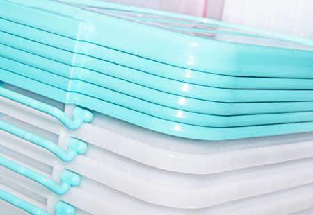 envases de plástico: recipientes de plástico transparentes plegadas Foto de archivo